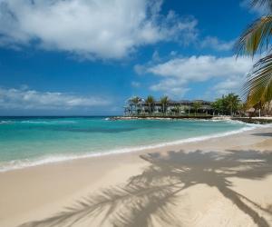 Strand-Avila-Curacao.jpg
